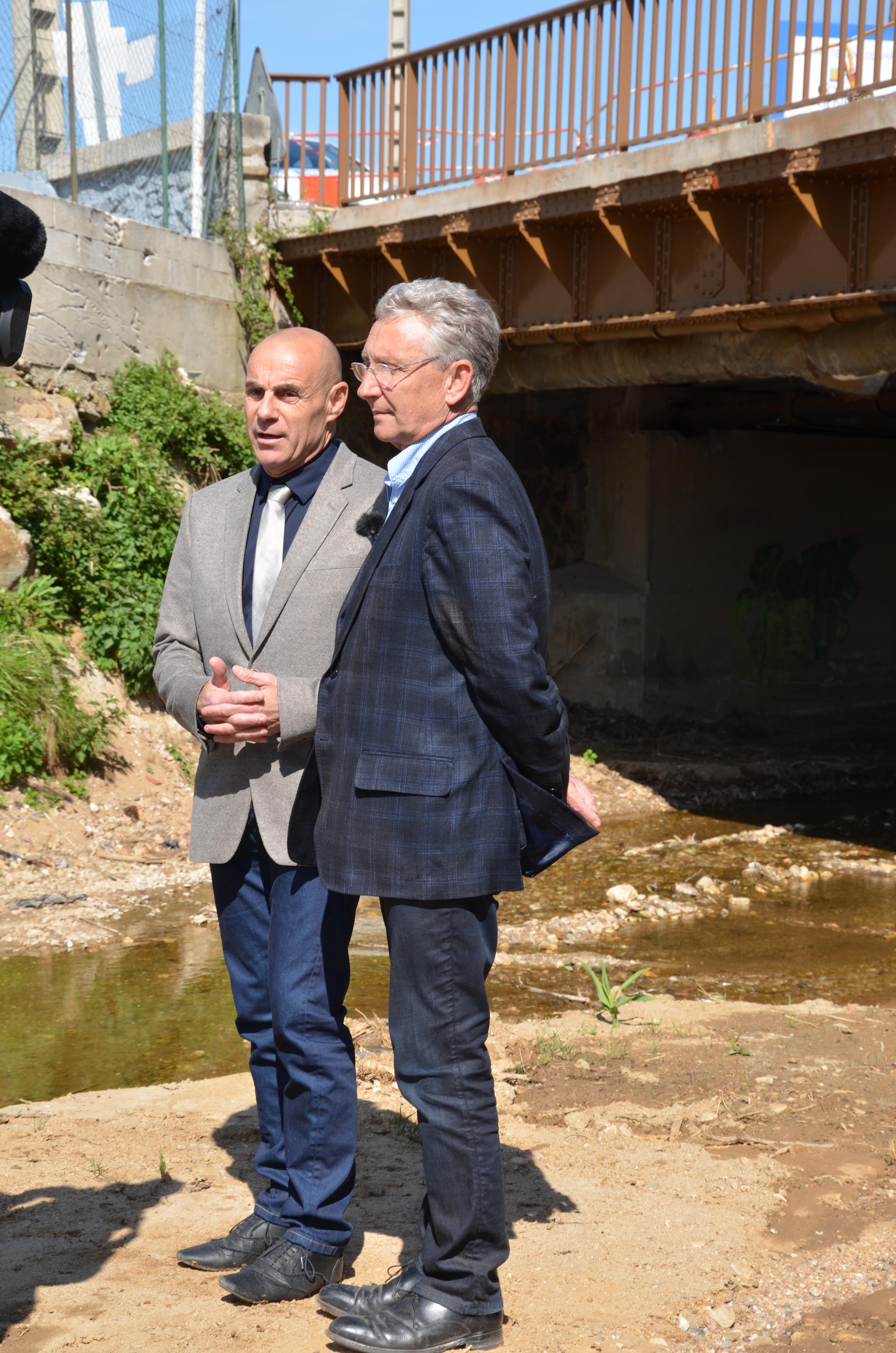 Suites aux violentes intempéries de 2014, le Maire du Lavandou, Gil Bernardi, et le Maire de Bormes, François Arizzi, ont défini plusieurs chantiers prioritaires sur les berges et la plaine du Batailler afin de prévenir le risque inondation