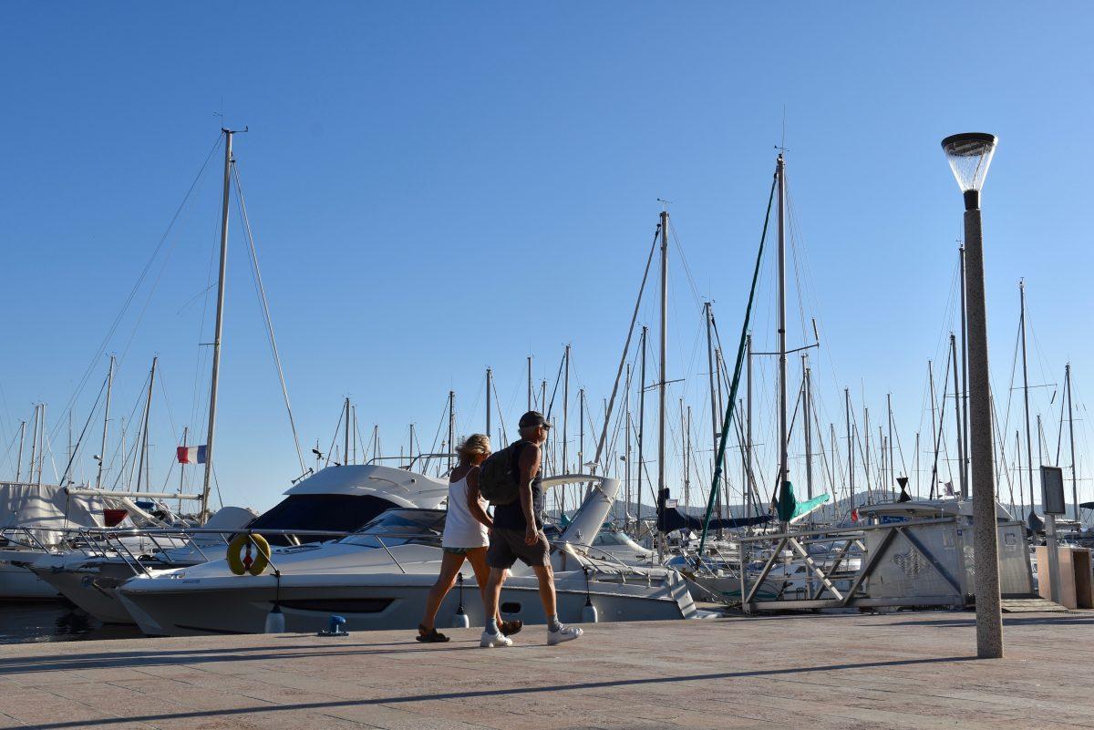 Le port du lavandou poursuit sa bonne dynamique mairie du lavandou - Restaurant le lavandou port ...